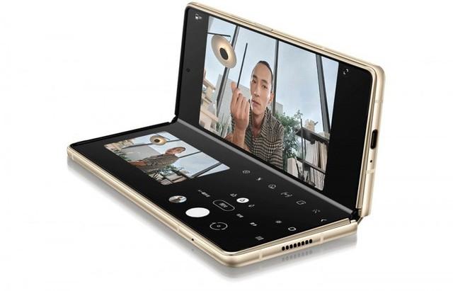 Samsung W21 5G ra mắt: Giống hệt Z Fold2 nhưng to hơn, giá 70 triệu đồng - Ảnh 3.