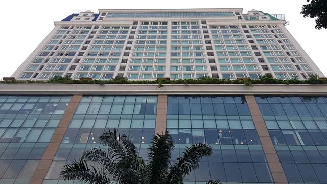 Cận cảnh tòa nhà 2 mặt tiền tại đất vàng TP HCM đang được VietinBank rao bán - Ảnh 6.