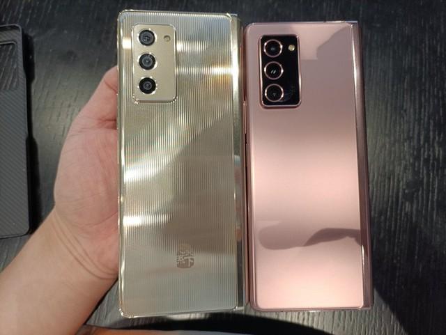 Samsung W21 5G ra mắt: Giống hệt Z Fold2 nhưng to hơn, giá 70 triệu đồng - Ảnh 6.