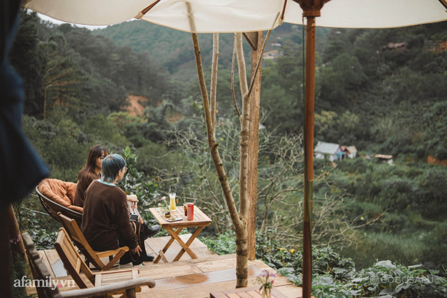 Thung lũng bí ẩn lạ lẫm ở Đà Lạt: Có hoa vàng cỏ xanh, suối mát lành đẹp như tranh vẽ, nhưng không phải cứ muốn đến là được, cũng chẳng có 3G để xài! - Ảnh 1.