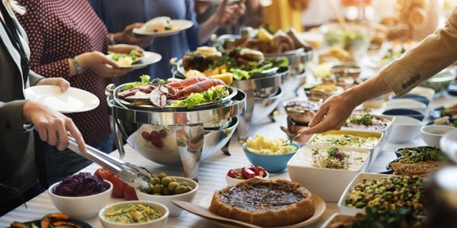 10 bí mật về những bữa buffet mà nhà hàng không bao giờ muốn thực khách biết - Ảnh 1.