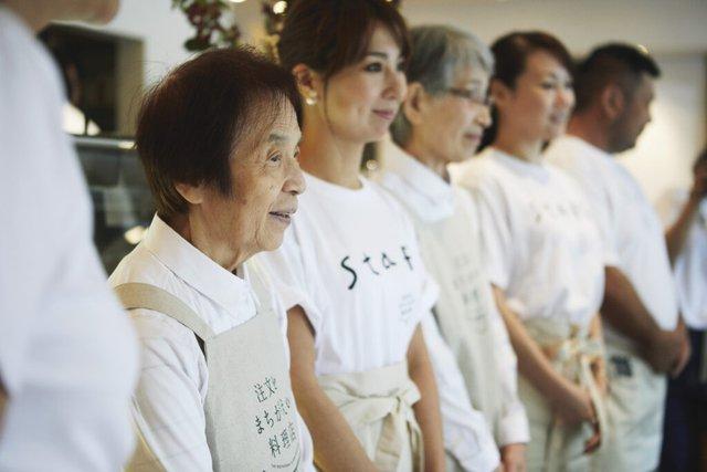 Bất ngờ về Nhà hàng của các món ăn bị phục vụ sai tại Nhật Bản: Khi ăn uống không còn quan trọng bằng việc lan tỏa thông điệp ý nghĩa này! - Ảnh 12.