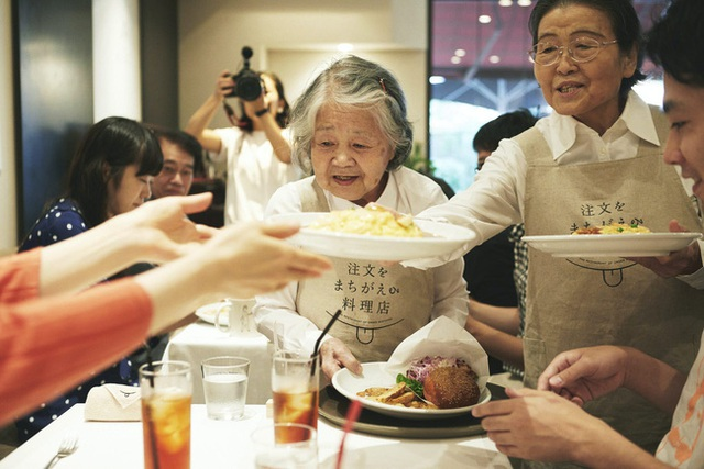 Bất ngờ về Nhà hàng của các món ăn bị phục vụ sai tại Nhật Bản: Khi ăn uống không còn quan trọng bằng việc lan tỏa thông điệp ý nghĩa này! - Ảnh 16.