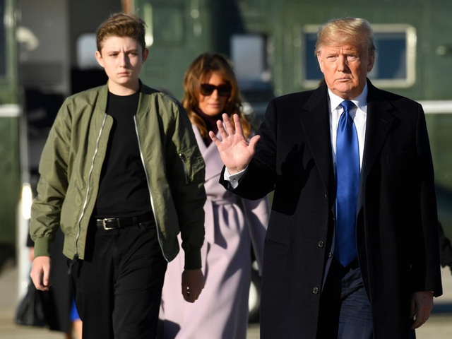 Từ cậu bé đầu tiên chuyển đến sống ở Nhà Trắng, trong 4 năm nhiệm kỳ của bố, Barron Trump đã thu hút sự chú ý của thế giới như thế nào? - Ảnh 13.