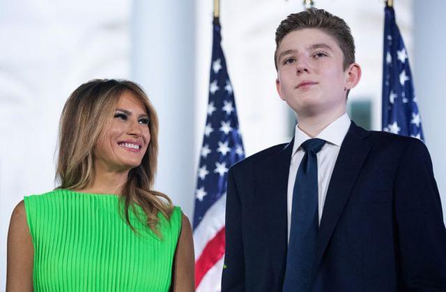 Từ cậu bé đầu tiên chuyển đến sống ở Nhà Trắng, trong 4 năm nhiệm kỳ của bố, Barron Trump đã thu hút sự chú ý của thế giới như thế nào? - Ảnh 9.