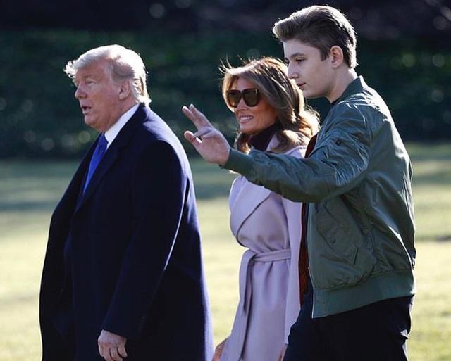 Từ cậu bé đầu tiên chuyển đến sống ở Nhà Trắng, trong 4 năm nhiệm kỳ của bố, Barron Trump đã thu hút sự chú ý của thế giới như thế nào? - Ảnh 10.