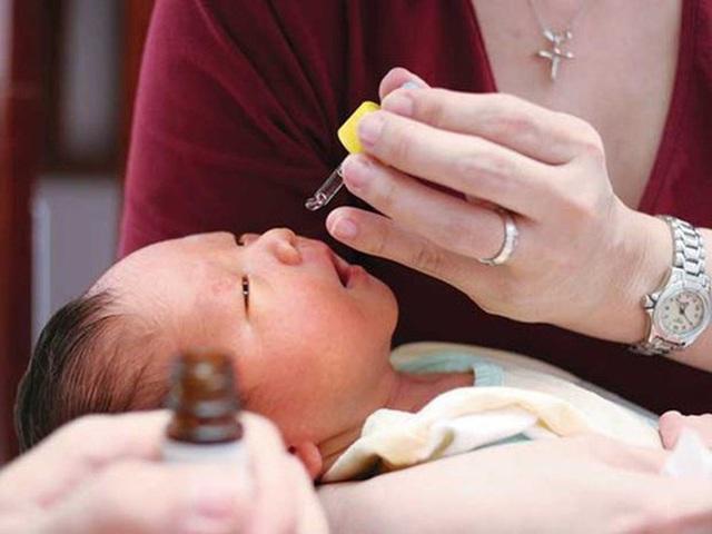 BS Việt ở Mỹ khuyến cáo về loại thuốc nhiều mẹ Việt hay dùng cho trẻ: Đừng để thuốc biến thành thuốc độc! - Ảnh 1.