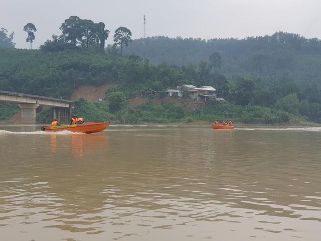 Tiếp tục tìm kiếm 17 người mất tích ở Trà Leng, Phước Lộc - Ảnh 3.