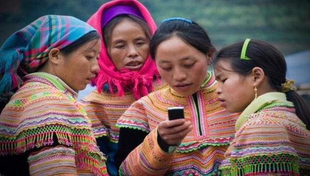 Sẽ bán điện thoại thông minh giá từ 600.000 đồng để hỗ trợ chuyển đổi số - Ảnh 2.