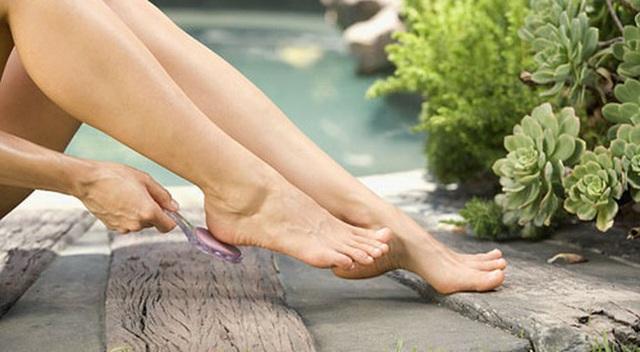 Lạnh chân là hiện tượng ai cũng lờ đi nhưng nó chính là tín hiệu cảnh báo cơ thể đang chống chọi với 5 loại bệnh này - Ảnh 3.