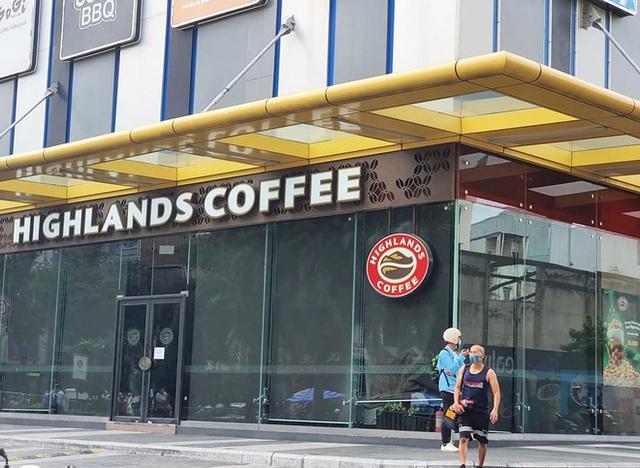 TP.HCM phát thông báo: Những ai từng đến quán cafe, karaoke, quán ốc, phòng tập gym và trung tâm tiếng Anh này cần nhanh chóng liên hệ cơ sở y tế - Ảnh 2.