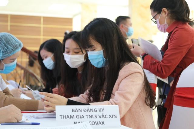 Vắc xin COVID-19 made in Việt Nam dự kiến giá khoảng 120.000 đồng/ liều - Ảnh 1.