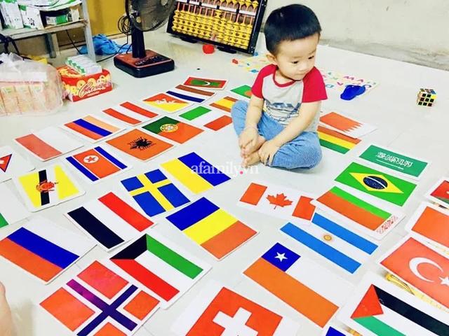 Cậu bé 3 tuổi nói tiếng Anh như gió, có trí nhớ kinh ngạc, bố tiết lộ bí quyết giúp con tự học phụ huynh nào cũng có thể làm theo - Ảnh 1.