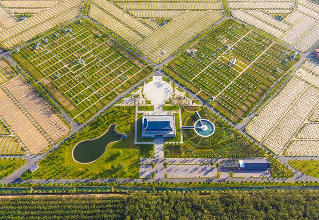 Cận cảnh hoa viên nghĩa trang hơn 2.000 tỷ đồng, có cảnh quan đẹp bậc nhất Việt Nam - Ảnh 17.