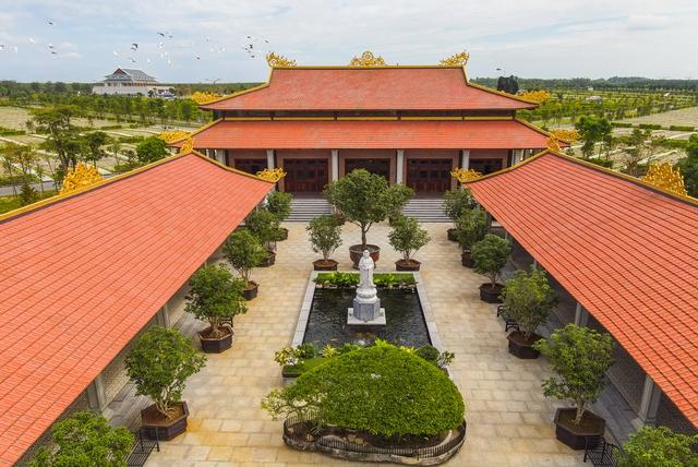 Cận cảnh hoa viên nghĩa trang hơn 2.000 tỷ đồng, có cảnh quan đẹp bậc nhất Việt Nam - Ảnh 7.