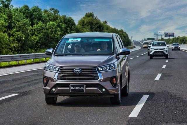 Toyota Innova sẽ có phiên bản cao cấp mới? - Ảnh 1.