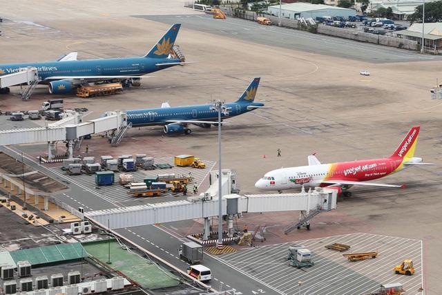 Số chuyến bay các hãng hàng không từ đầu năm đến nay giảm ra sao?  - Ảnh 1.