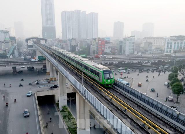 9 đoàn tàu đường sắt Cát Linh - Hà Đông đồng loạt chạy thử - Ảnh 11.