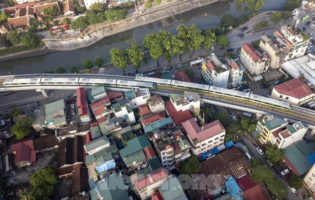 9 đoàn tàu đường sắt Cát Linh - Hà Đông đồng loạt chạy thử - Ảnh 12.