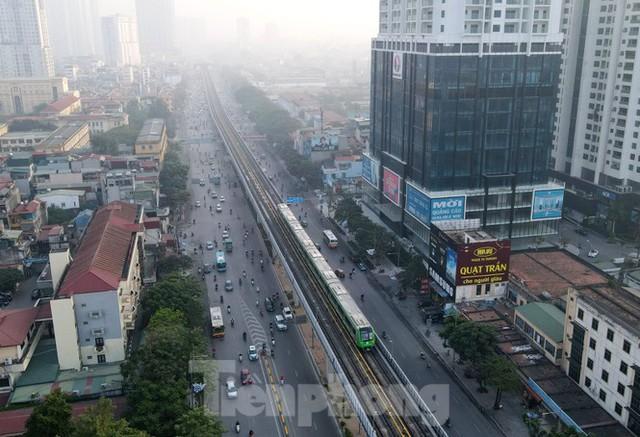 9 đoàn tàu đường sắt Cát Linh - Hà Đông đồng loạt chạy thử - Ảnh 15.