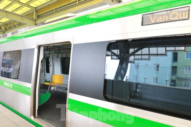 9 đoàn tàu đường sắt Cát Linh - Hà Đông đồng loạt chạy thử - Ảnh 4.