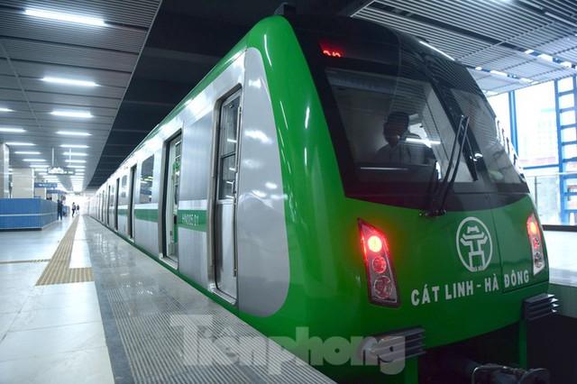 9 đoàn tàu đường sắt Cát Linh - Hà Đông đồng loạt chạy thử - Ảnh 8.