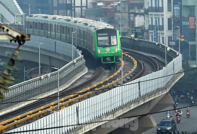 9 đoàn tàu đường sắt Cát Linh - Hà Đông đồng loạt chạy thử - Ảnh 9.