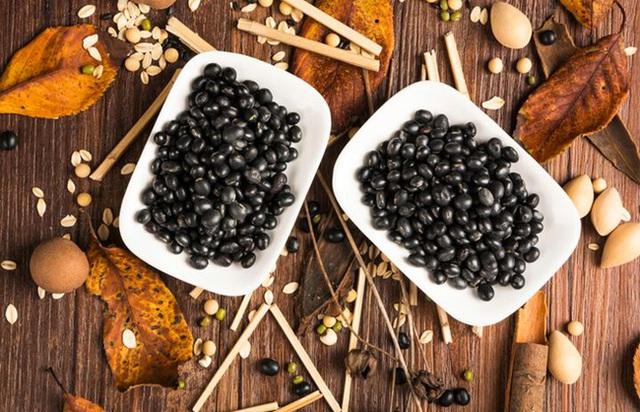 Đậu đen là vua của các loại đậu, giúp sống thọ, ngừa ung thư, nhưng 4 nhóm người này không nên ăn - Ảnh 3.