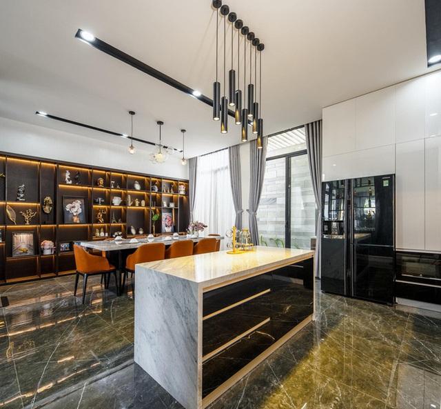 Chuyển về Đà Nẵng sống, chồng mua mảnh đất 180m2 và xây tặng vợ ngôi nhà đẹp như resort - Ảnh 7.