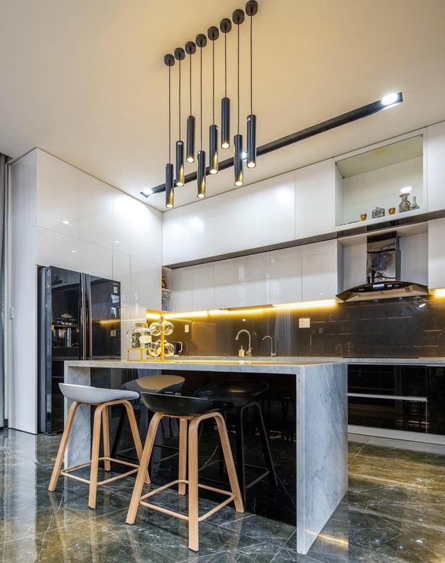 Chuyển về Đà Nẵng sống, chồng mua mảnh đất 180m2 và xây tặng vợ ngôi nhà đẹp như resort - Ảnh 8.