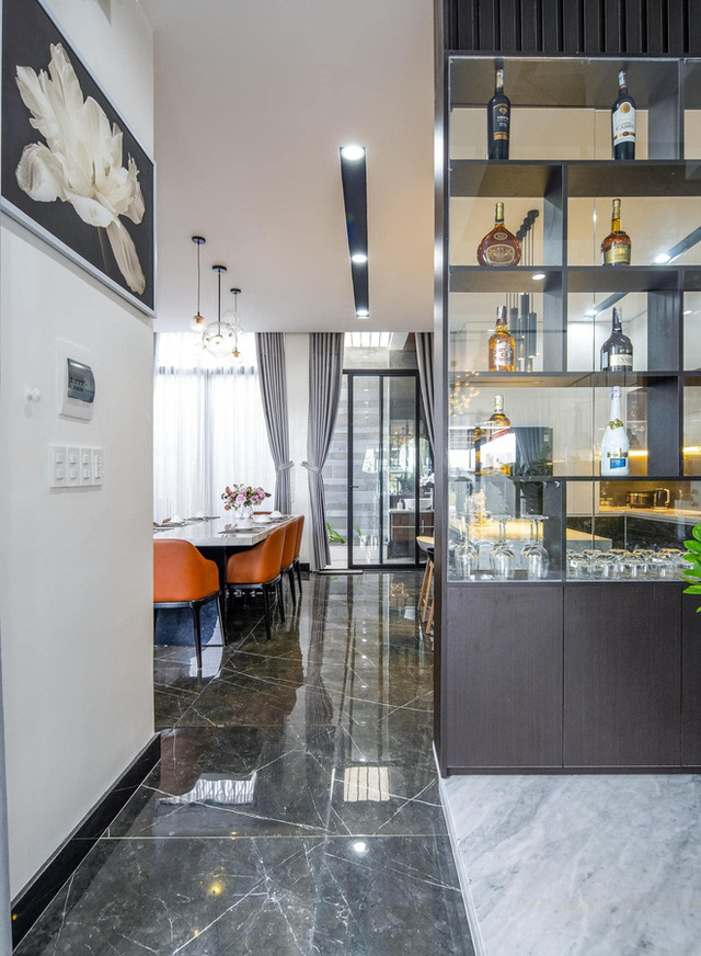 Chuyển về Đà Nẵng sống, chồng mua mảnh đất 180m2 và xây tặng vợ ngôi nhà đẹp như resort - Ảnh 10.