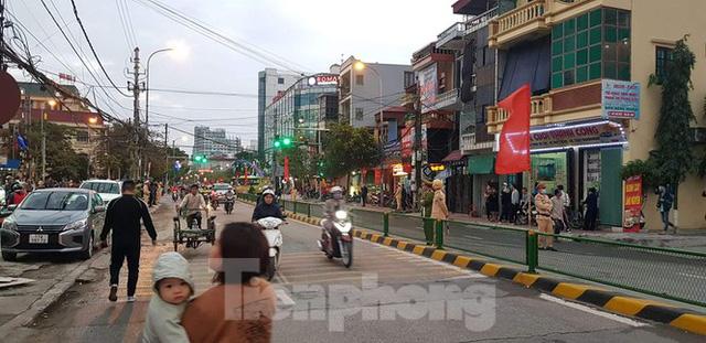 Hàng trăm cảnh sát bao vây, bắt giữ trùm xã hội đen tại Thái Bình - Ảnh 1.