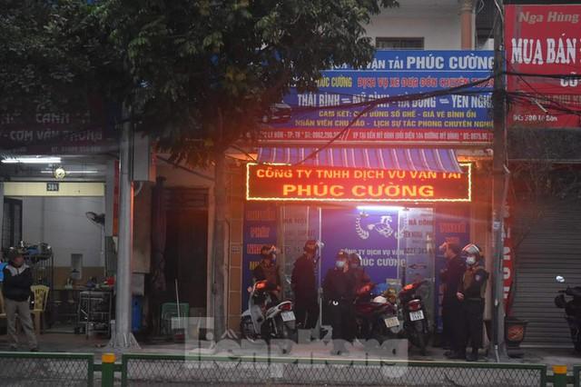 Hàng trăm cảnh sát bao vây, bắt giữ trùm xã hội đen tại Thái Bình - Ảnh 4.