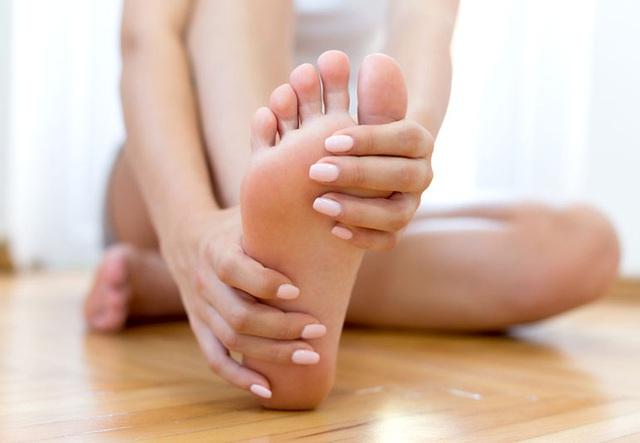 Phát hiện cục máu đông trong cơ thể: 6 dấu hiệu vàng giúp bạn nhận ra ngay! - Ảnh 2.
