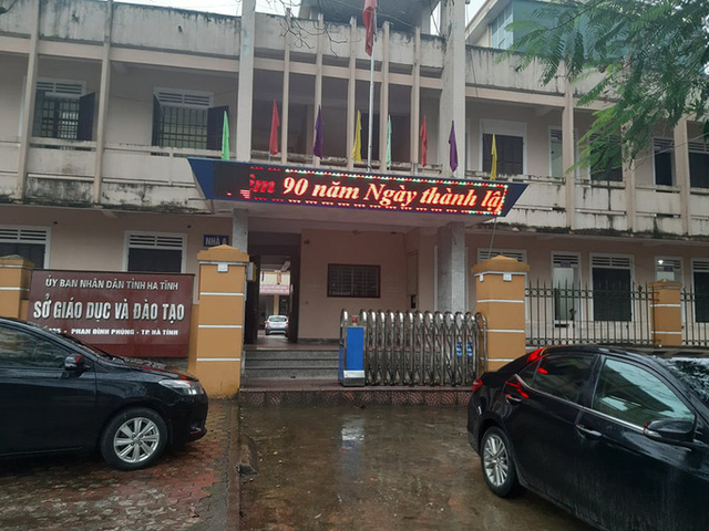 Giám đốc Sở GD-ĐT và nguyên Chánh TAND tỉnh Hà Tĩnh bị xem xét kỷ luật  - Ảnh 1.