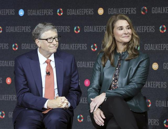 Bill Gates: COVID-19 chưa thể kết thúc cho đến năm 2022, 6 tháng đầu năm 2021 sẽ còn tồi tệ hơn 2020 - Ảnh 2.