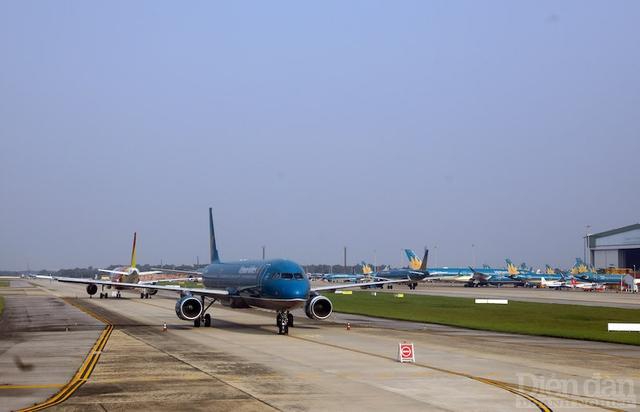 Bổ sung 8 sân bay vào quy hoạch quốc gia: Làm sao xã hội hoá hạ tầng? - Ảnh 1.