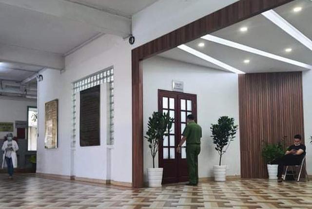 UBND TP HCM đình chỉ 2 lãnh đạo Bệnh viện Mắt TP để phục vụ điều tra của Bộ Công an - Ảnh 1.