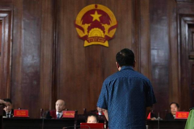 Kịch tính trong xét xử ông Đinh La Thăng và đồng phạm - Ảnh 2.