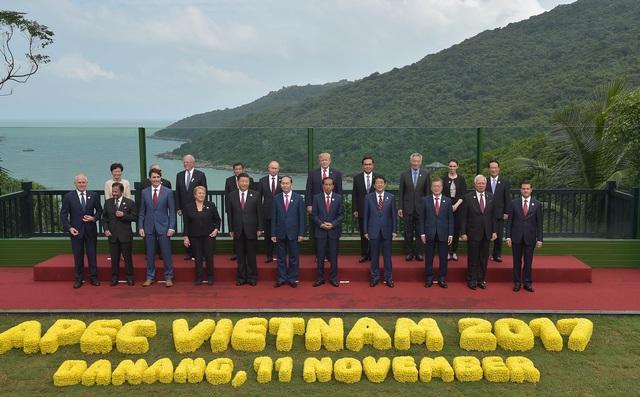 Việt Nam 2010-2020: Thập kỷ đầy tự hào khép lại bằng một năm nhiều mất mát nhưng giúp khơi dậy tinh thần đoàn kết dân tộc và sự biết ơn! - Ảnh 12.