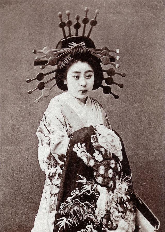 Oiran - kỹ nữ cao cấp thời Edo tại Nhật: Nhan sắc lộng lẫy, thu nhập tiền tỷ và những bí mật ít người biết - Ảnh 6.