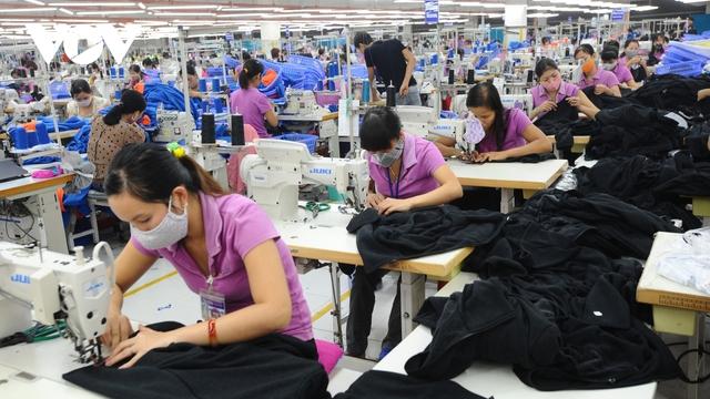 Xuất khẩu dệt may 2020 ước đạt hơn 35 tỷ USD - Ảnh 1.