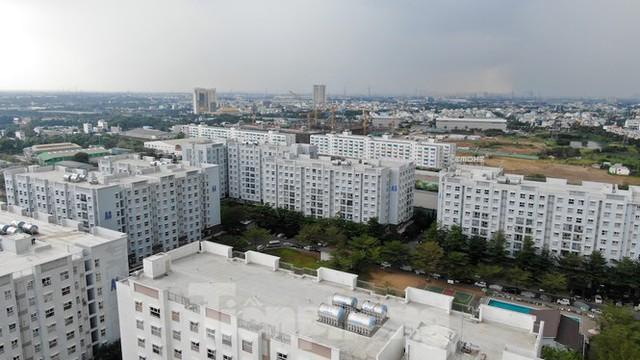 TPHCM: Chia thành hai để gỡ vướng 30.000 căn hộ treo sổ hồng - Ảnh 1.