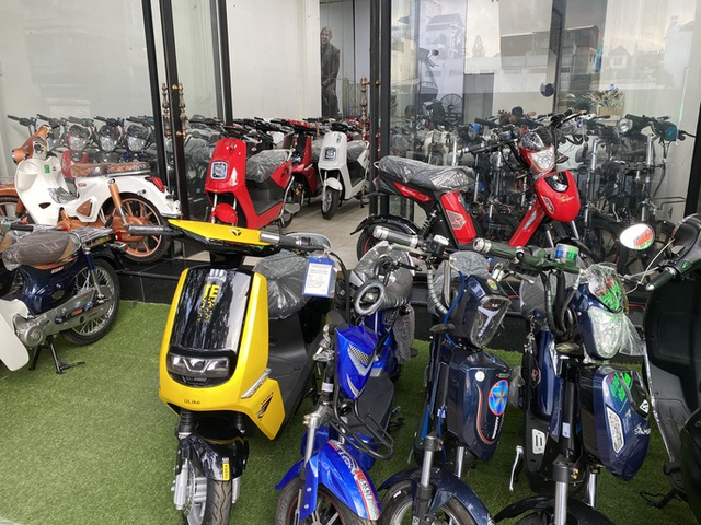 Thị trường xe máy điện thêm ảm đạm - Ảnh 1.