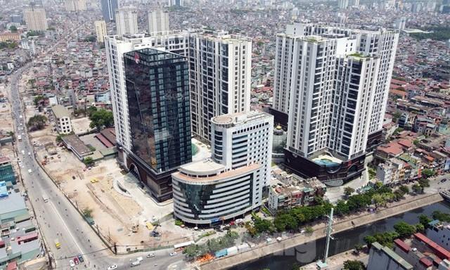 Thanh tra Bộ Xây dựng 'sờ gáy' loạt công trình sai phép ở Hà Nội - Ảnh 1.