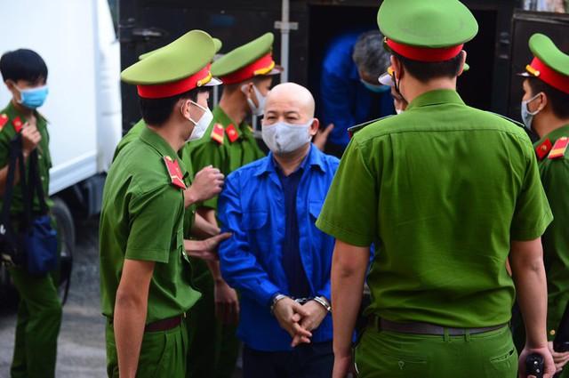 Ông Đinh La Thăng bị phạt 10 năm tù - Ảnh 3.