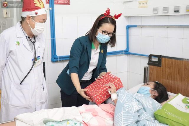 Nghẹn lòng những lá thư gửi ông già Noel ở bệnh viện nhi: Cầu mong ông ban phép màu cho con hết bệnh về với gia đình - Ảnh 12.
