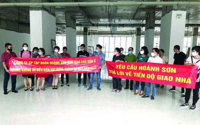 Cuối năm, Hà Nội nở rộ dự án cao ốc 'lùa dân vào ở khi chưa đủ điều kiện - Ảnh 4.
