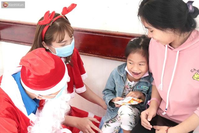 Nghẹn lòng những lá thư gửi ông già Noel ở bệnh viện nhi: Cầu mong ông ban phép màu cho con hết bệnh về với gia đình - Ảnh 5.