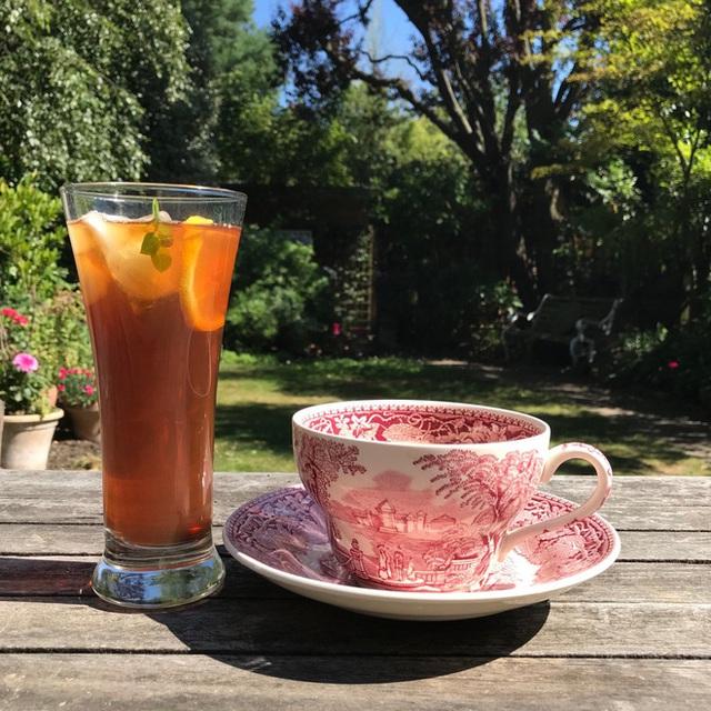 Uống trà nóng hay mát tốt hơn? Cách pha trà tối ưu nhất theo khoa học - Ảnh 1.